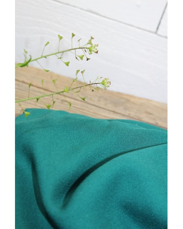 Tissu Vert Emeraude Crêpe de Viscose