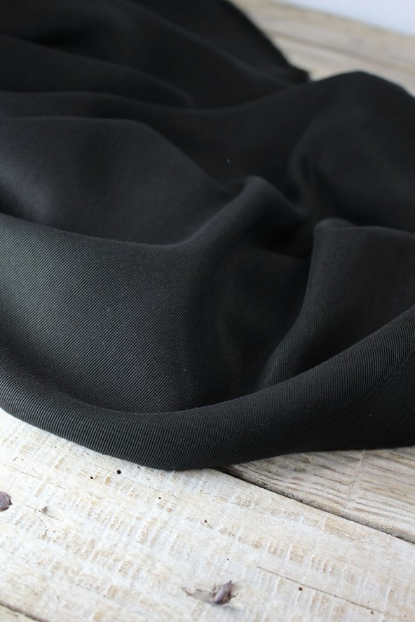 Tissu Sergé de Tencel Noir Réglisse