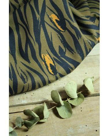 Tissu Zebra Kaki Crêpe de Viscose Eglantine et Zoé audace des motifs et couleurs