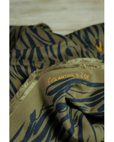 Tissu Zebra Kaki Crêpe de Viscose Eglantine et Zoé motifs exclusifs
