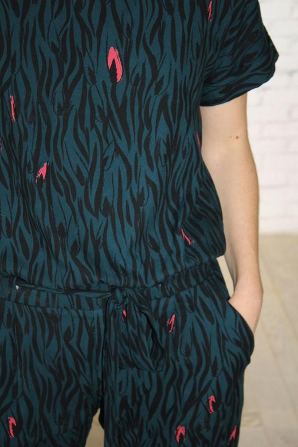 Tissu Zebra Vert Crêpe de Viscose Eglantine et Zoé détail ceinture combinaison Millésime