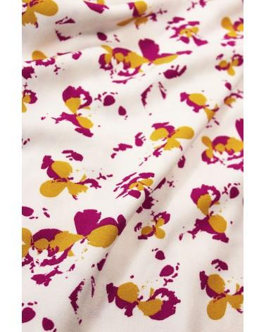 Tissu Clovers Nacre Crêpe de Viscose églantine et Zoé élégant plissé