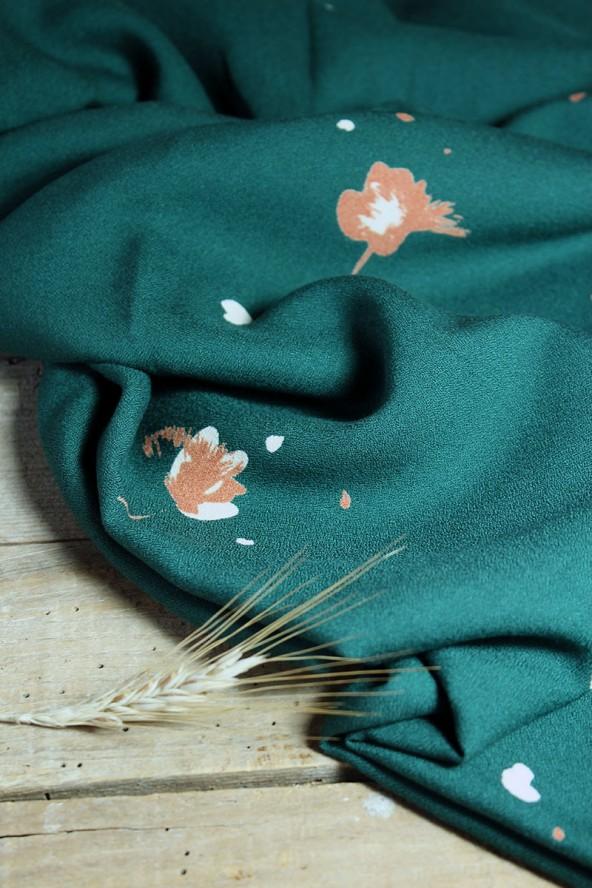 Tissu Windy Vert Sapin Crêpe de Viscose fluide et agréable à coudre
