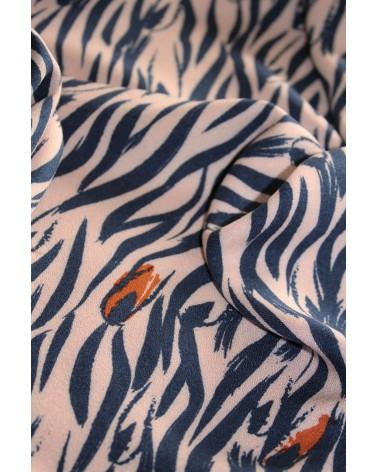 Zoom sur le Tissu Crêpe de Viscose Zebra Rose Perle Eglantine et Zoé