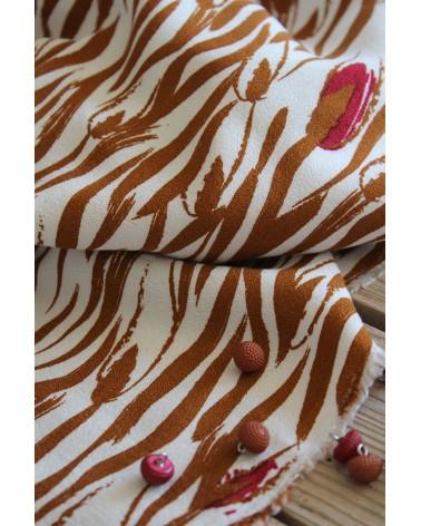 Tissu Crêpe de Viscose Zebra Nacre Eglantine et Zoé idéal pour coudre des vêtements