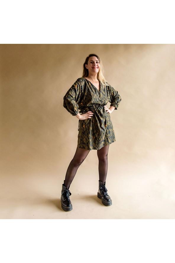 Tissu Zebra Kaki Crêpe de Viscose Eglantine et Zoé robe Magicienne pour une journée shopping