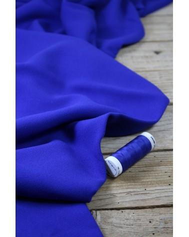 Tissu Bleu Royal Crêpe de Viscose Eglantine et Zoé Teint au Portugal