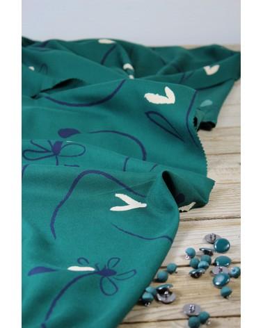 Tissu Bloom Vert Emeraude Sergé de Viscose Eglantine et Zoé pour votre garde-robe cousue mains