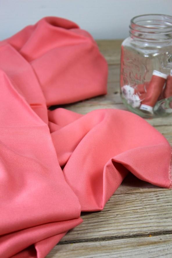 Tissu Corail Sergé de Viscose Eglantine et Zoé Créé en France pour cousettes estivales