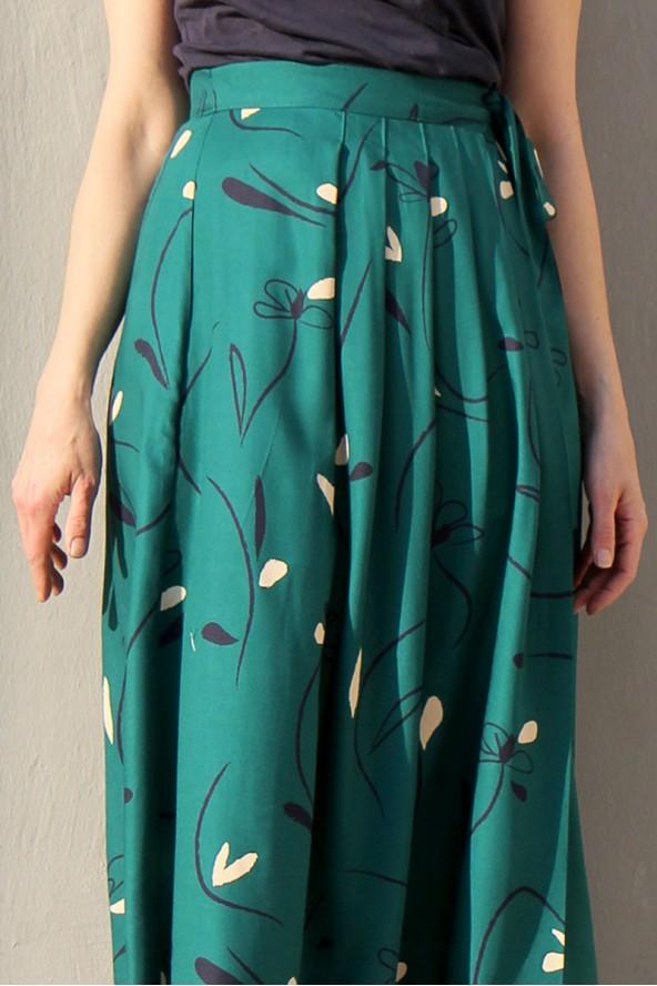 Tissu Bloom Vert Emeraude Eglantine et Zoe Crêpe de Viscose patron jupe longue plissée jolie bobine ceinture