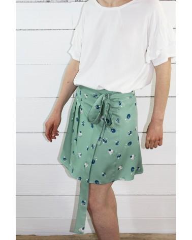 Tissu Stone Amande Sergé de Viscose Eglantine et Zoé jolie jupe inspirée de la robe Tamara