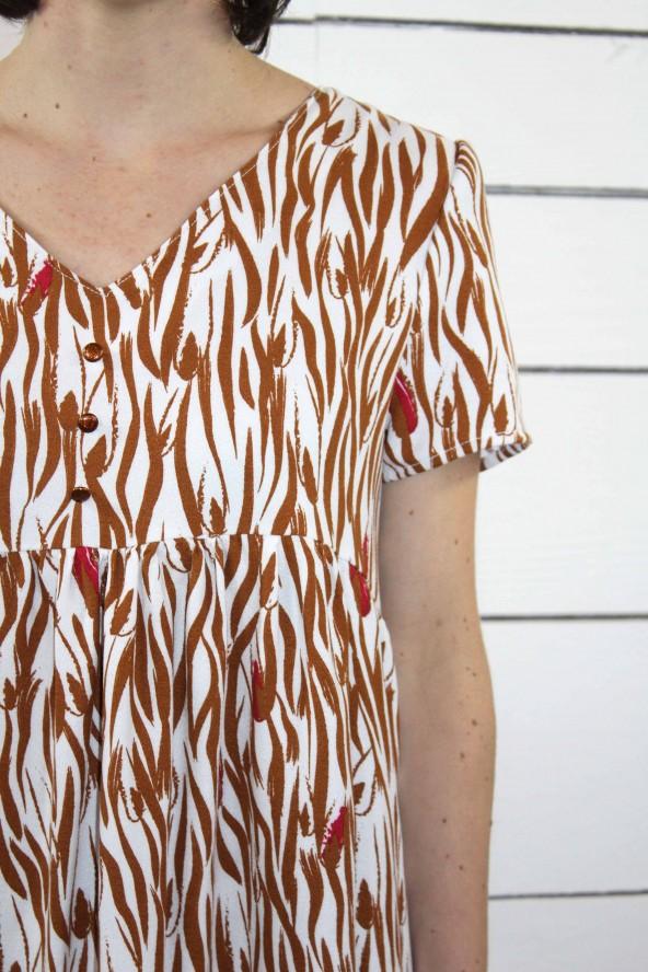 Tissu Zebra Nacre Crêpe de Viscose patron petite robe Ethel de Pm Patterns décolleté v