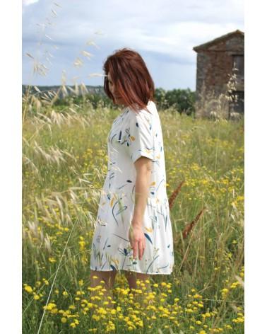 Tissu motif Bloom Nacre Sergé de Viscose Eglantine et Zoéjolie robe guinguette cousette simple et confortable