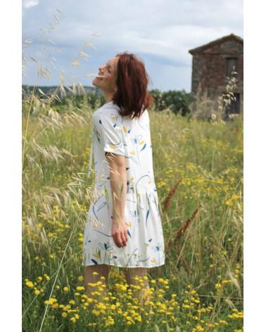Tissu motif Bloom Nacre Sergé de Viscose tout doux Eglantine et Zoé robe courte guinguette cousette