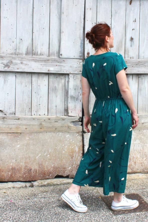 Tissu Bloom Vert Emeraude Eglantine et Zoe Crêpe de Viscose patron combinaison jolie môme atelier scammit Col V