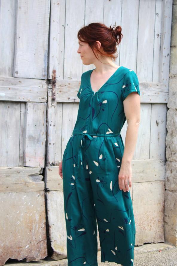 Tissu Bloom Vert Emeraude Eglantine et Zoe Crêpe de Viscose patron combinaison jolie môme atelier scammit Fermeture éclair