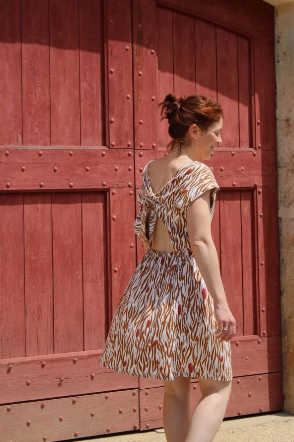 Tissu Zebra Nacre Crêpe de Viscose patron robe Irene République du Chiffon courte