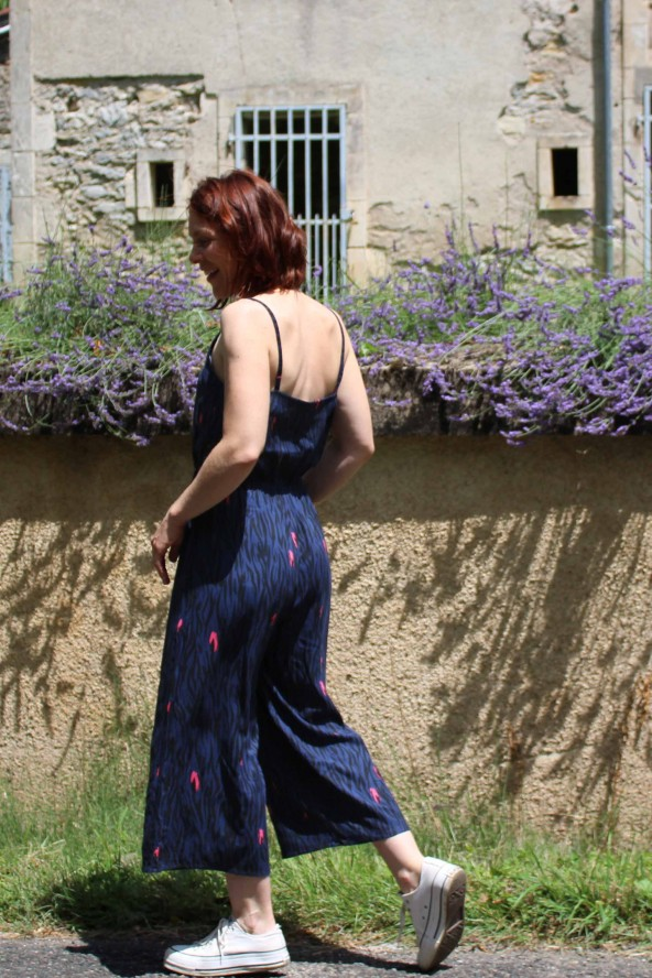 Tissu Zebra Bleu Crêpe de Viscose Eglantine et Zoé en combinaison Freja de Slow sunday paris fines bretelles