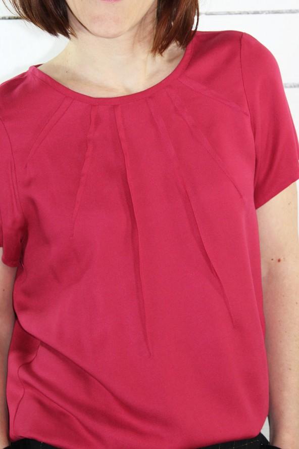 Tissu Sergé de Viscose Rose Grenadine Eglantine et Zoe Blouse zenith de maison fauve plis soleil