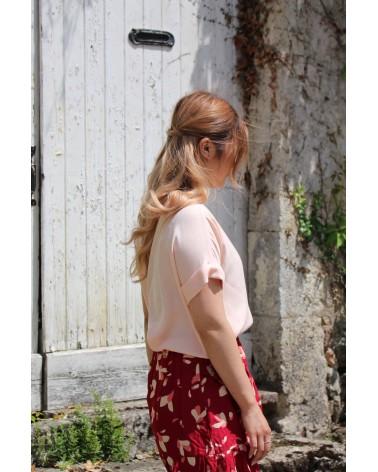 Tissu Uni Nude Eglantine et Zoe Crêpe de Viscose patron blouse vikki anna rose pattern jupe a volants petali rouge de profil