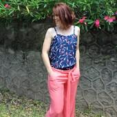 Mixer, mélanger, dépareiller... Je suis fan des tenues assorties et aujourd'hui, je partage avec vous l'une de mes associations préférées pour #avenableuatlantique ! 💙 --------------- Mix, match, mismatch... I'm a fan of matching outfits and today I'm sharing with you one of my favorite pairings for #avenableuatlantique ! 💙 Il s'agit du #TopLouise de @republiqueduchiffon en #avenableuatlantique et du Pantalon issu du short #aimecommemanege de @aime_comme_marie en #unicorail.  Et vous, quelles seront vos prochaines associations ? 🥰 / What about you, what are your next associations? 🥰  #eglantineetzoe #jecoudsmagarderobe #magarderobecousuemain #eglantineetzoefabrics #motifavena #lesherbesfolles #inspirationspatrons #associationpatrontissu