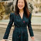 @mydress_made sublime notre tissu Zebra Vert... 🦓🌿  Sa fameuse robe Victoria par @atelier8avril affirme son style avec audace et c'est un gros coup de coeur pour moi ! 💚 Cousue dans notre beau Crêpe de Viscose Zebra vert, la coupe de cette robe à la fois féminine et structurée confère à la silhouette une élégance résolument dynamique. D'ailleurs, la fluidité du tissu est aussi agréable à coudre qu'à porter.🧵  Un grand bravo à Anne pour sa création ! Nous avons hâte d'en découvrir plus !  ----------------- @mydress_made sublimates our green Zebra fabric... 🦓🌿  Her famous Victoria dress by @atelier8avril asserts her style with audacity and it's a big favorite for me! 💚 Sewn in our beautiful green Zebra Viscose Crepe, the cut of this dress is both feminine and structured, giving the silhouette a resolutely dynamic elegance. Moreover, the fluidity of the fabric is as pleasant to sew as it is to wear.🧵  Congratulations to Anne for her creation! We can't wait to discover more!   #eglantineetzoe #mydressmade #couture #cousumain #sewing #tissuseglantineetzoe #eglantineetzoefabrics #makersgonnamake #zebravert #motifzebra #motifsexclusifs #robelongue
