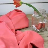 Délicate et lumineuse, notre nouvelle teinte exclusive Corail sera idéale pour coudre vos cousettes estivales. 🌷  Teinte sur un doux support Sergé de Viscose, ce tissu offrira fluidité, légèreté et confort à vos vêtements. Robes, blouses, jupes ou débardeurs… il nous inspire autant de cousettes du quotidien que des tenues de cérémonies que nous avons hâte de coudre et de porter.  Alors, qu'attendez-vous pour y jeter un oeil ? 😉  ———————— Delicate and bright, our new exclusive Coral shade will be perfect for sewing your summer sewing. 🌷  Dyed on a soft Viscose Twill backing, this fabric will offer fluidity, lightness and comfort to your garments. Dresses, blouses, skirts or tank tops... it inspires us as much for everyday sewing as for formal wear that we can't wait to sew and wear.  So what are you waiting for to take a look 😉  #eglantineetzoe #eglantinetzoefabrics #tissusaddict #unicorail #tissuexclusif #nouvellecollection #lesherbesfolles #printempsete #cousette #jecoudsmagarderobe #sewingaddict #sewingproject