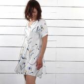 Cette semaine, une jolie cousette rejoint notre grande collection de Faits-Mains ! 🧵 Il s'agit de la Robe Guinguette de @cousette, cousue dans notre beau tissu Bloom Nacre.  Sa teinte lumineuse et sa matière légère (mais sans transparence), nous offrent un vêtement paré d'élégance et de confort pour accompagner nos chaudes journées ensoleillées. 🌞  Cette petite robe d'été se présente avec de jolies découpes devant et dans le dos qui subliment les motifs aérés de notre tissu Bloom Nacre. À la fois ample et confortable, cette cousette propose de délicats détails : revers sur les manches, poches dans la jupe, encolure avec liens à nouer ou pas... C'est une vraie beauté qu'il me tarde de porter !  Côté tissu, il s'agit d'un Sergé de Viscose certifié Oeko Tex que j'adore, totalement opaque, teint et imprimé au Portugal. 💛  Et vous, quelle cousette avez-vous en tête dans ce motif estival ? 😋  ------------- This week, a lovely sew-along joins our great collection of Handmade! 🧵 It's the Guinguette Dress by @cousette, sewn in our beautiful Bloom Nacre fabric.  Its bright color and light material, offer us a garment adorned with elegance and comfort to accompany our warm sunny days. 🌞  This little summer dress features pretty cutouts in the front and back that sublimate the airy patterns of our Bloom Nacre fabric. Both loose and comfortable, this sewing offers delicate details: lapels on the sleeves, pockets in the skirt, V neckline... It's a real beauty that I can't wait to wear!  On the technical side, it's an Oeko Tex certified Viscose Twill that I love, totally opaque and dyed and printed in Portugal. 💛  How about you, what sew-in do you have in mind? 😋  #eglantineetzoe #eglantineetzoefabrics #tissusaddict #couturelover #lesherbesfolles #nouvellecollection #inspirationspatrons #associationpatrontissu #sewingproject #robeguinguette #cousette #robefaitmain #flowerdress